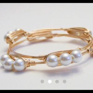 Jewelry - 2 Left! Triple Pearl Gold Wire Bangle